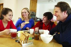 430_3559538 family dinner 2